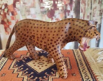 930472b3bca63 Vintage Hand Carved Wooden Cheetah Leopard Figurine Sculpture Made In Kenya