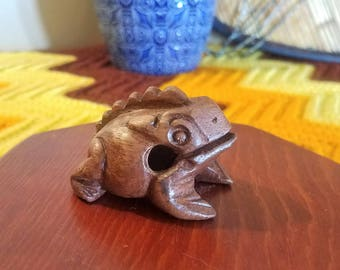 Vintage Small Sitting Wooden Frog Figurine Wood Paperweight Collectible Croaking Singing Wood Percussion Frog Guiro