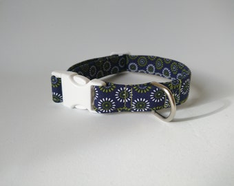 Adjustuble dog collar geometric pattern design blue and white