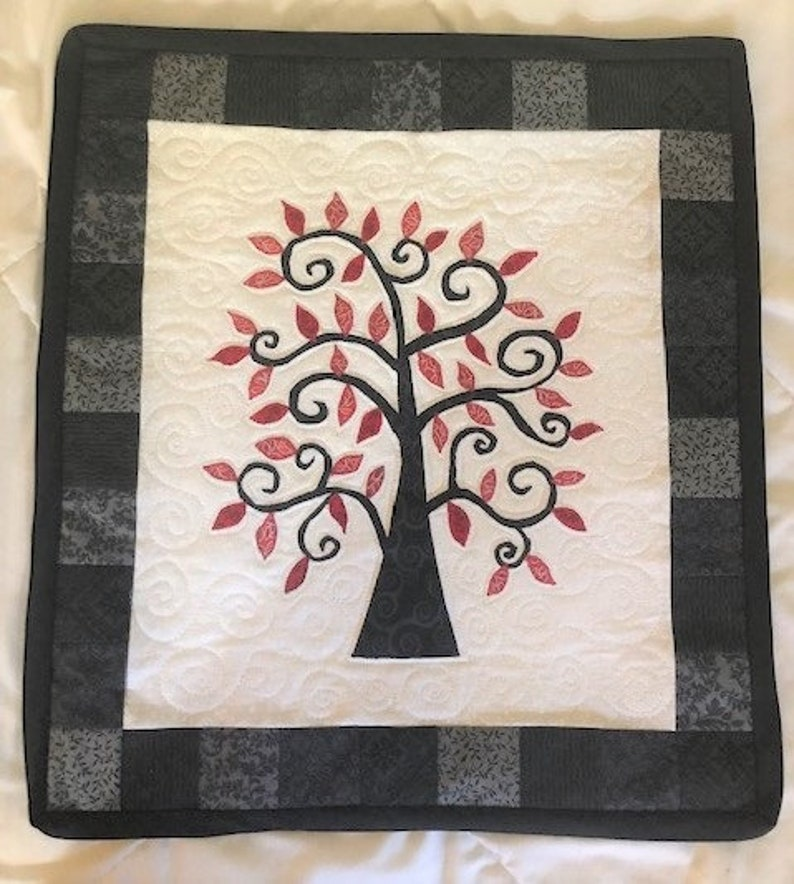 Curvy Tree of Life Quilted Wall Hanging Custom Colors Swirls Quilt Branch Branches Valentine/'s Day Valentine Graduation Gift Birthday