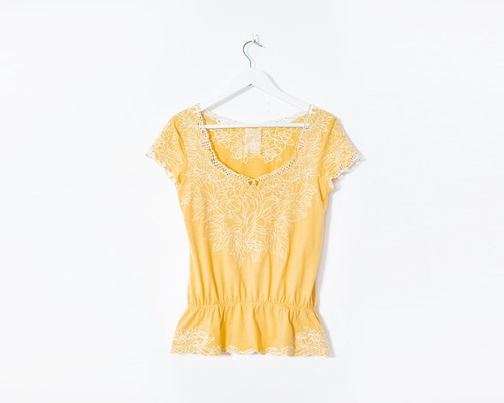 Vintage 1970s Yellow Embroidered Short Sleeved Boho Top, Size 12