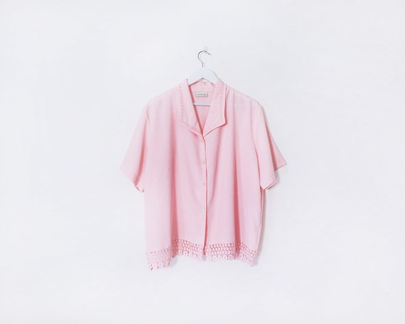 Vintage 1980s Baby Pink Button Up Embroidered Collared Blouse, Size 20