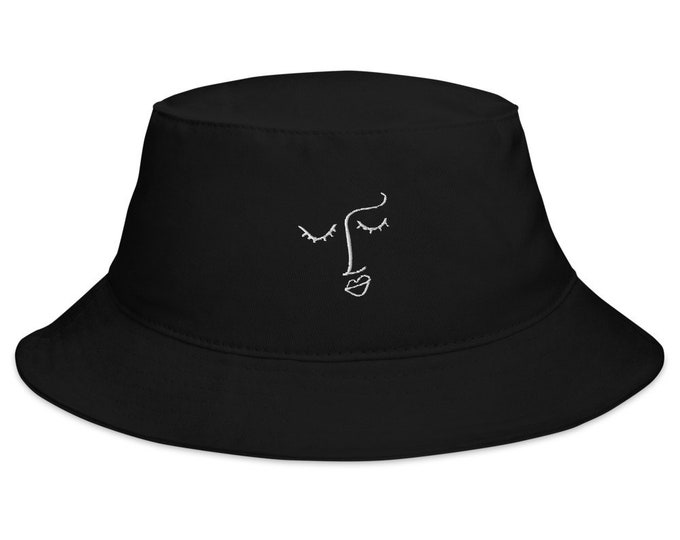Feminine Face — Bucket Hat