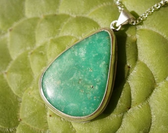 Chrysoprase Pendant in Sterling Silver