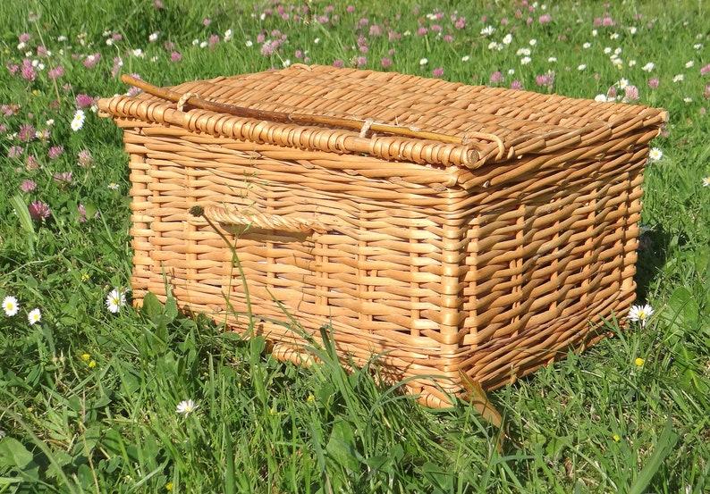 Vintage Alphonse serving basket