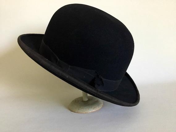 Black felt bowler hat. Early twentieth century. French  c5c1e06eafdb