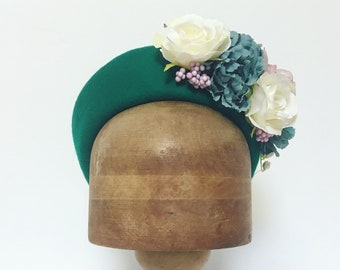 Green pillbox hat, floral pillbox, vintage style hat, 1940s fashion, 1950s accessories, flower headpiece, wedding guest, vintage bride