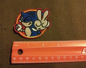 Sonic the Hedgehog II Sew or Iron On Unused Children s Cartoon New Crafting  Embroidery Patch 8cf49a4f252b
