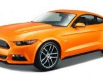 Collectible 1/18 Scale Diecast 2015 Ford Mustang (Orange)