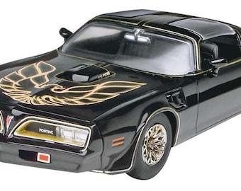 Plastic Model Kit: rmx-4027 Smokey & the Bandit 1977 Pontiac Firebird Model Kit + Best Deal Online + DISPLAY CASE INCLUDED +