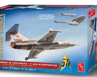 Plastic Airplane Model Kit: AMT-953 Star Trek Original Series Tomorrow is Yesterday F104 Starfighter Aircraft (D)