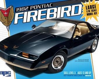 Plastic Model Kit: MPC-858 1982 Pontiac Firebird Model Car Kit Free Shipping!