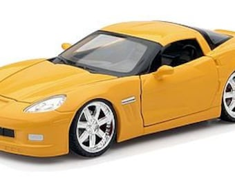 Collectible 1/24 Scale Diecast 2010 Corvette Grand Sports Car Diecast by New-Ray