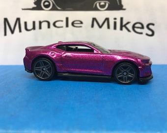 Hot Wheels 2017 Camaro Zl1 Custom Painted Pink Ashley Glitter (Gender Reveal)