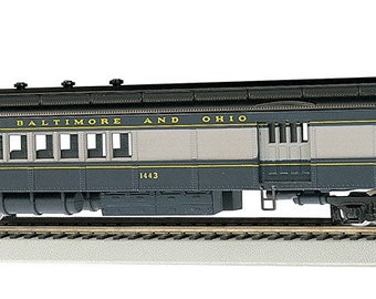 Model Railroading BAC-13602 Bachmann Industries B And O 4 Window Door #1443 72' Heavyweight Combine with Lighted Interior