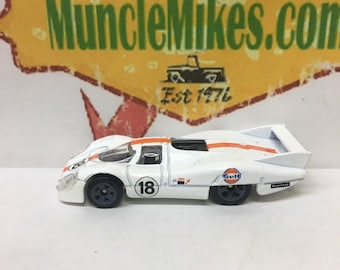 Hot Wheels & Display Case Porsche 917LH Race Car WHITE