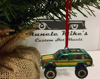 Hot Wheels Christmas Ornament 1983 83 Ford Bronco 4x4 4wd pickup truck