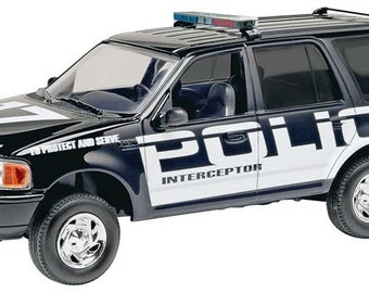 Plastic Model Kit RMX-1972 Ford Expedition Police SSV (Snap) Plastic Model Free Shipping!