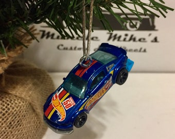 Hot Wheels Christmas Ornament 2015  2005 Ford Mustang