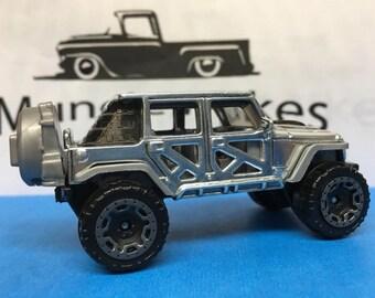Hot Wheels 17 Jeep Wrangler: POLISHED