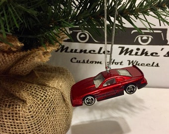Hot Wheels Christmas Ornament 1997  Mustang Cobra