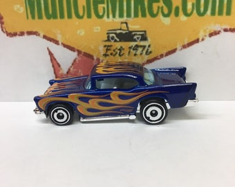 Hot Wheels & Display Case 1957 Chevy Hot Rod BLUE