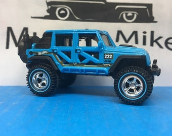 Hot Wheels 2017 Jeep Wrangler Lifted 4X4 American Racing Wheels with Rubber Tires BLUE