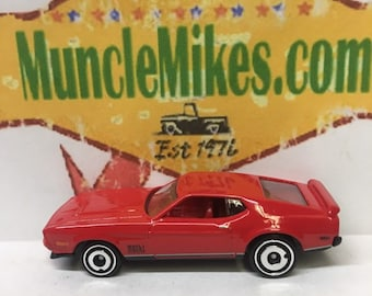 Hot Wheels & Display Case 1971 Mustang Mach 1 RED