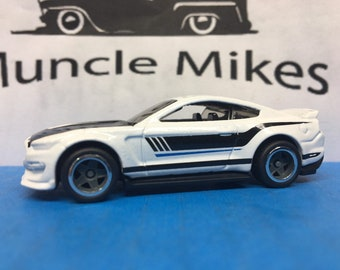 Hot Wheels Ford Shelby Gt 350 GREY and CHROME Wheels and Rubber Tires Real Rider Style