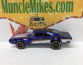 Hot Wheels & Display Case 1969 Dodge Charger 500 Hot Rod BLUE Mopar