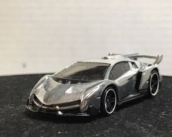 Custom Hot Wheels Lamborghini Veneno Polished