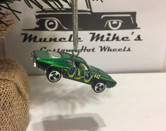 Hot Wheels Christmas Ornament 442 Olds  Oldsmobile