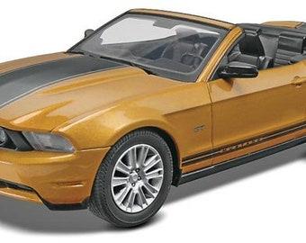 Plastic Model Kit: RMX-1963 2010 Mustang GT Convertible (Snap) Model Kit Free Shipping!