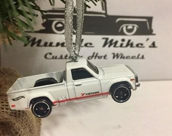 Hot Wheels Christmas Ornament Mazda REPU DTX00 Yokohama pickup truck