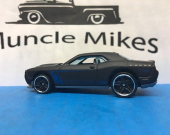 Hot Wheels 2015 Dodge Challenger SRT Factory Satin FLAT BLACK Mopar