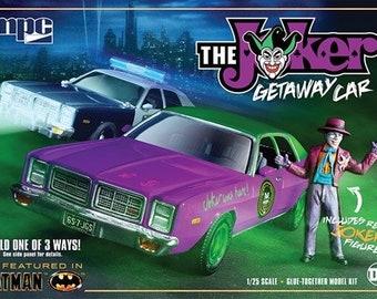 Plastic Model Kit MPC-890 Batman 1977 Dodge Monaco Joker Getaway Car Plastic Car Model Free Shipping! Mopar