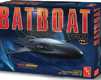 Plastic Model Kit: AMT-1025 Batman Returns Batboat Plastic Boat Model Free Shipping!