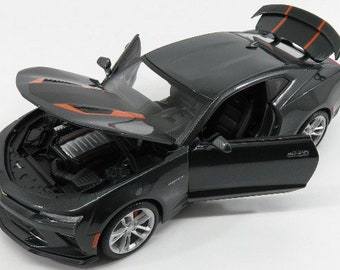 Collectible 1/18 Scale Diecast 2017 Camaro 50th Anniversary (Met. Grey)