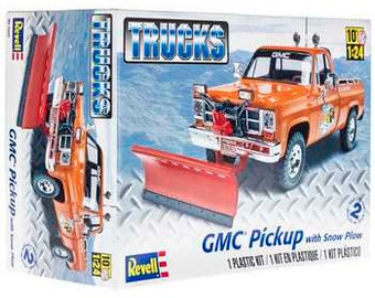 Plastic Model Kit: rmx-7222 gmc Pickup with Snow Plow Model Kit + Best Deal Online + DISPLAY CASE INCLUDED +