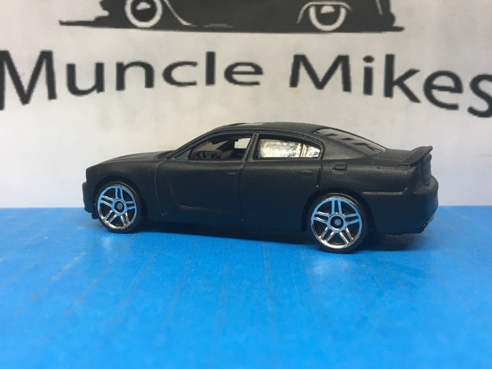 Hot Wheels 2011 Dodge Charger R/T Hot Rod Muscle Car ...</p>