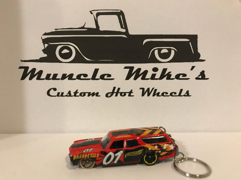 Custom Hot Wheels 1970 Chevelle red wagon stationwagon derby dirt track key chain keychain