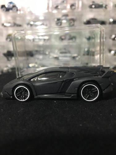 Custom Satin Hot Wheels Lamborghini Veneno Flat ...</p>                               <a href=