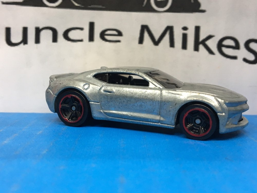Custom Hot Wheels 2016 Camaro SS Muscle Car Hot Rod Red Lip Wheels BARE METAL