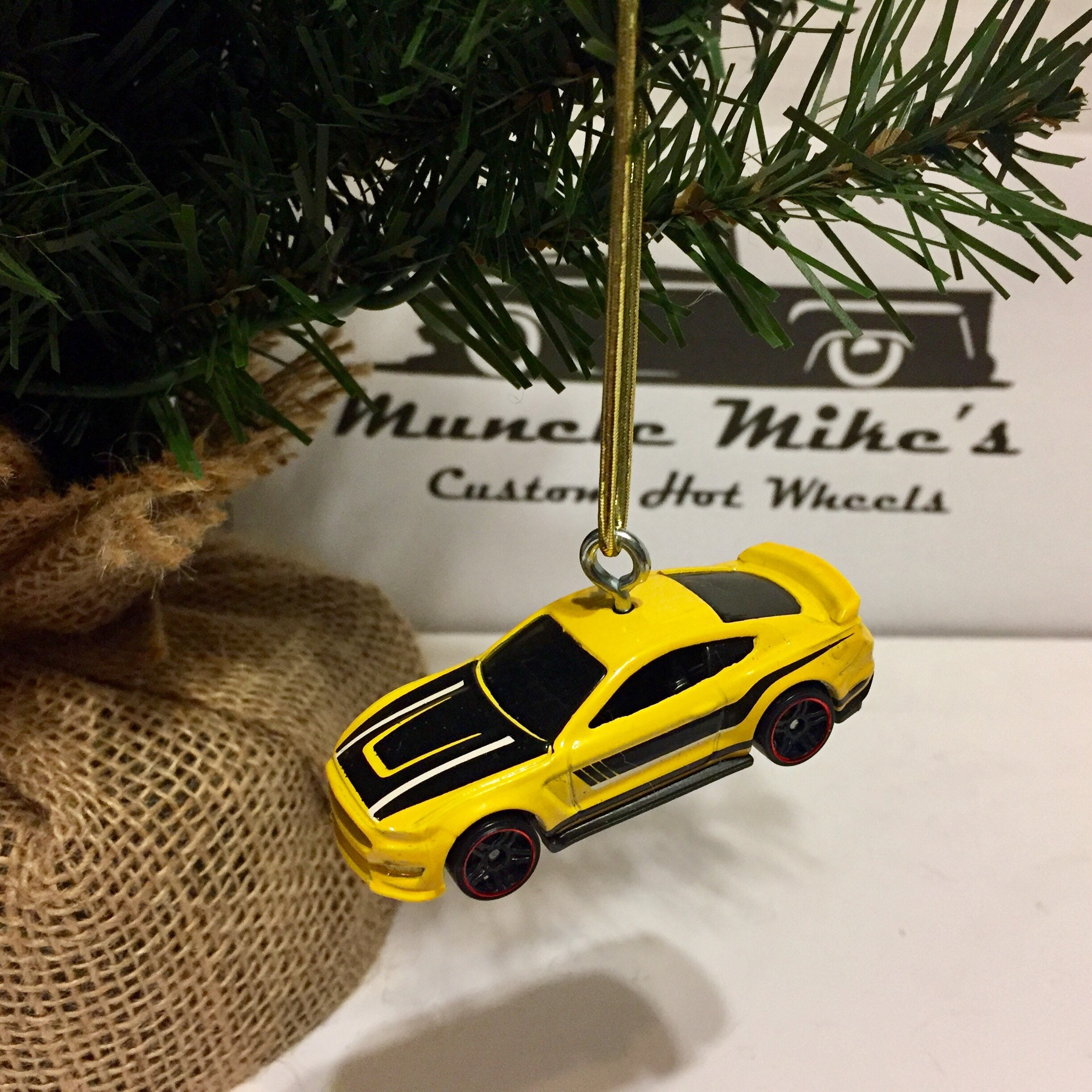 Hot Wheels Christmas Ornament 2015  Ford Shelby 350GT Mustang