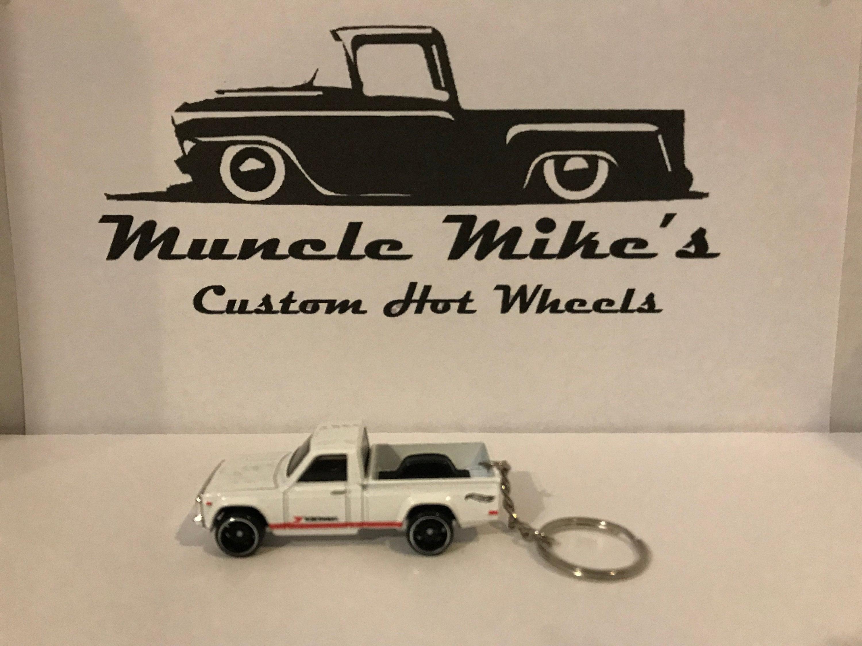 Custom Hot Wheels white Mazda REPU DTX00 pickup truck key chain keychain