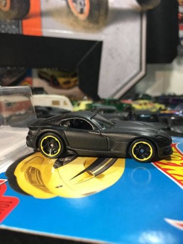 Hot Wheels 2013 Srt Viper Flat Black