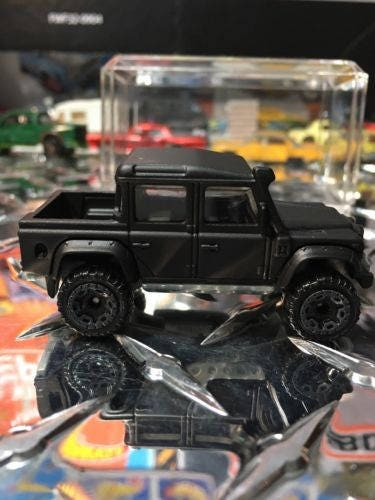 Custom Hot Wheels 15 Land Rover Defender Double Cab Flat Black