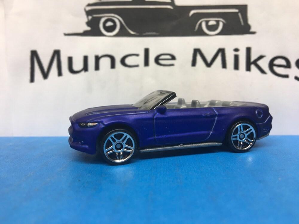 Custom Hot Wheels 15 Ford Mustang Gt Convertible Flat Royal Blue