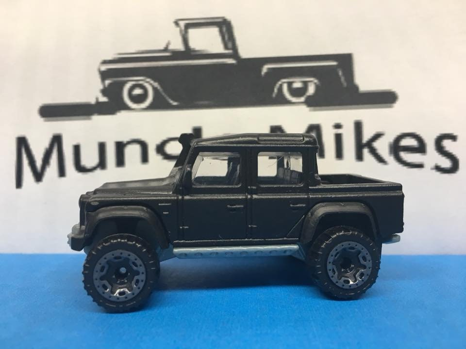 Custom Hot Wheels 15 Land Rover Defender Double Cab Flat Black