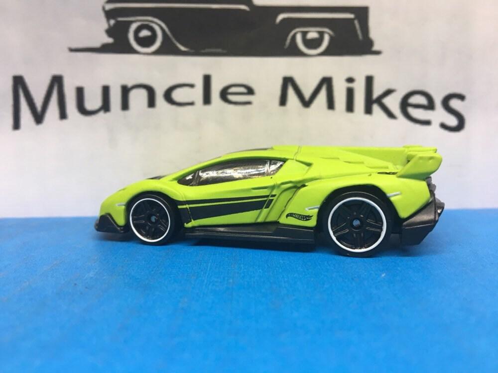 Custom Hot Wheels Lamborghini Veneno Flat Green Free Shipping!